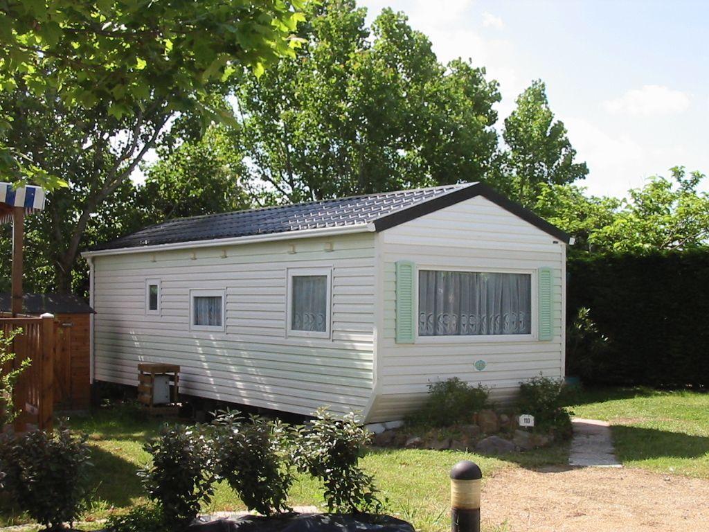 toiture 2 pents pour mobil homes. Black Bedroom Furniture Sets. Home Design Ideas